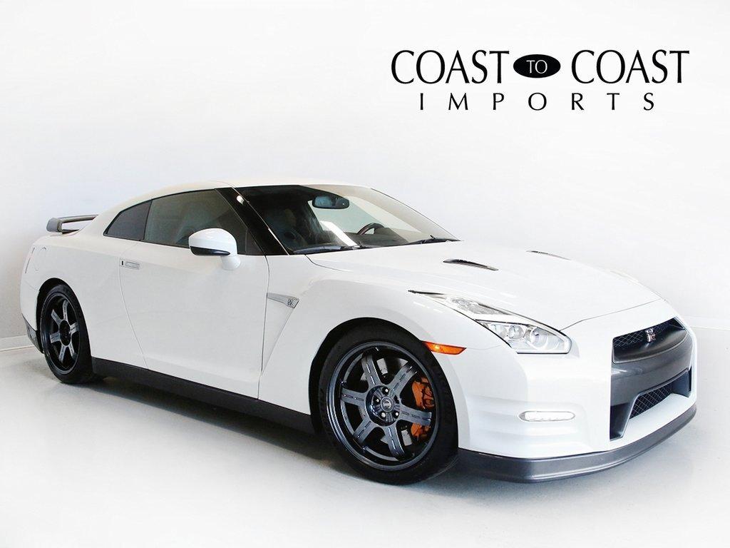 2015 Nissan GT-R Black Edition image