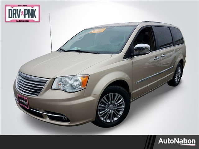 2016 Chrysler Town & Country Touring-L image