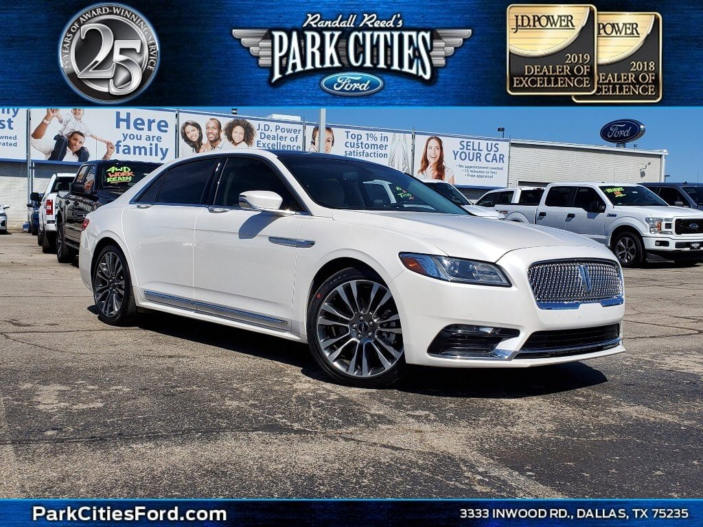 2017 Lincoln Continental Select image