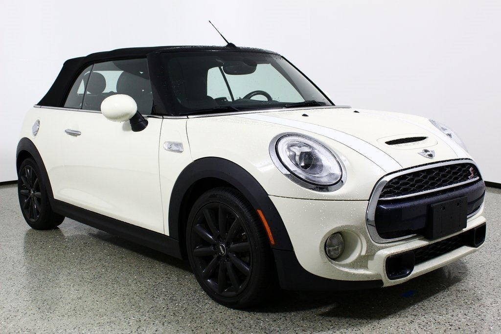 2017 MINI Cooper S Convertible image