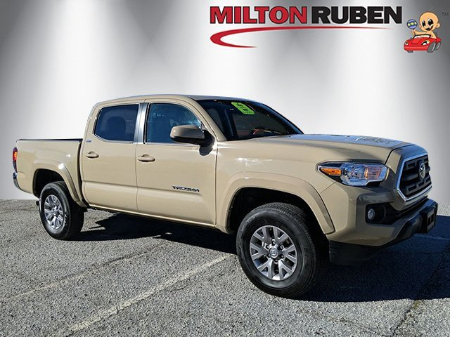 2019 Toyota Tacoma w/ SR5 Package image