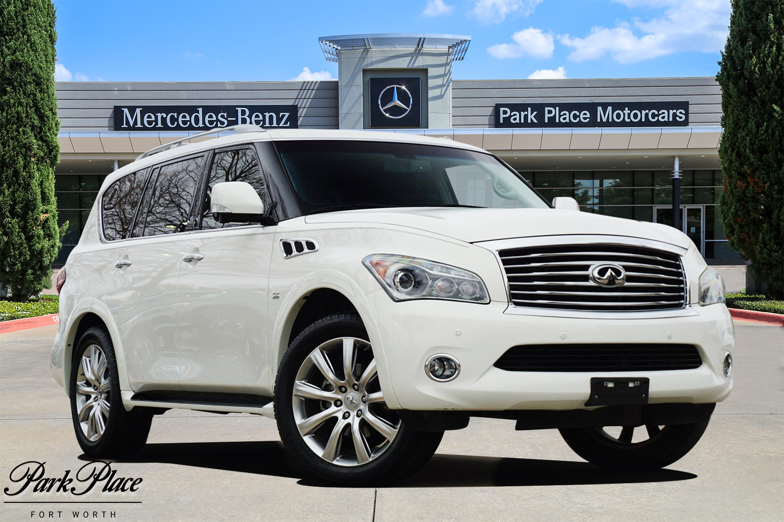 2014 INFINITI QX80 2WD w/ THEATER PACKAGE image