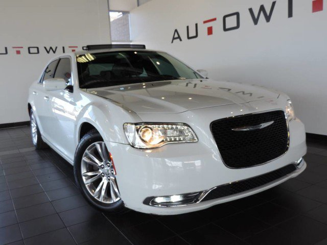 2017 Chrysler 300 Limited w/ Value Package image