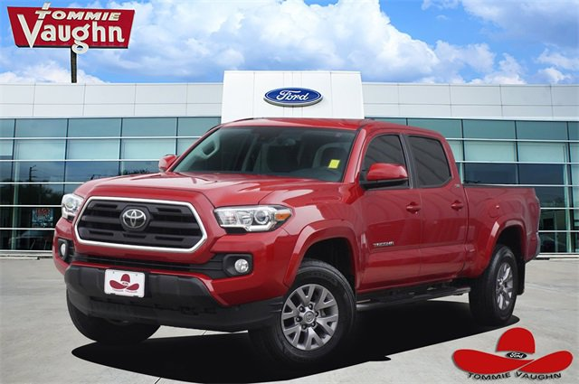 2018 Toyota Tacoma w/ SR5 Package image