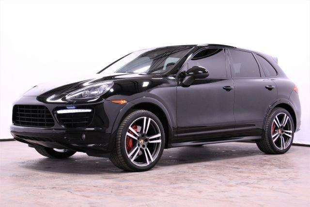 2014 Porsche Cayenne GTS image