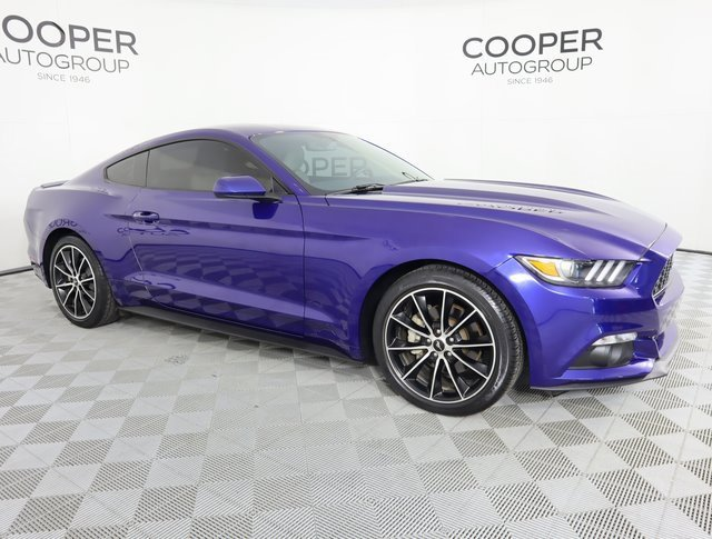2016 Ford Mustang Coupe image