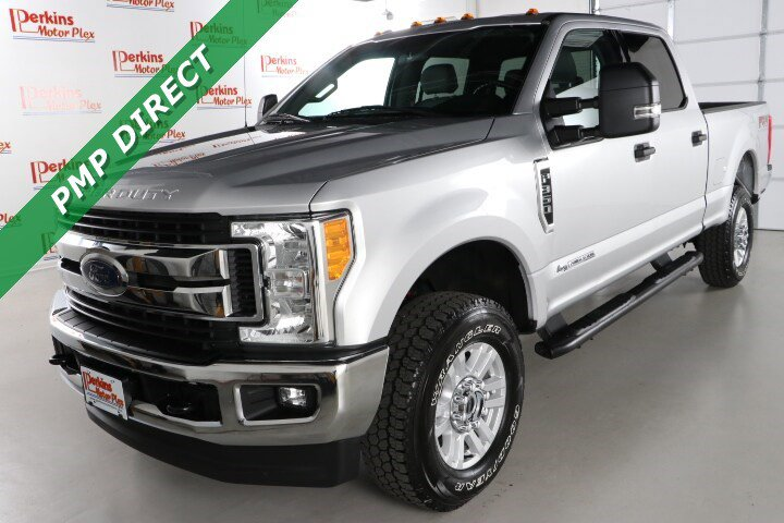 2017 Ford F350 4x4 Crew Cab Super Duty image