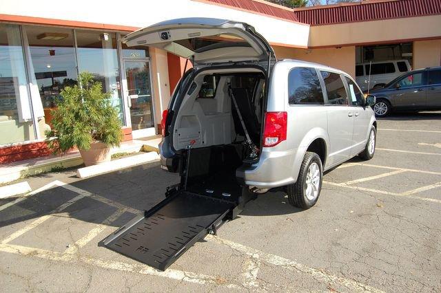2019 Dodge Grand Caravan SXT image