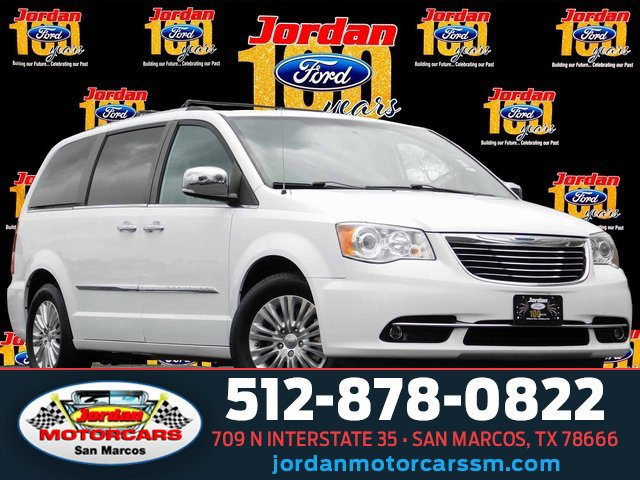 2015 Chrysler Town & Country Limited Platinum image