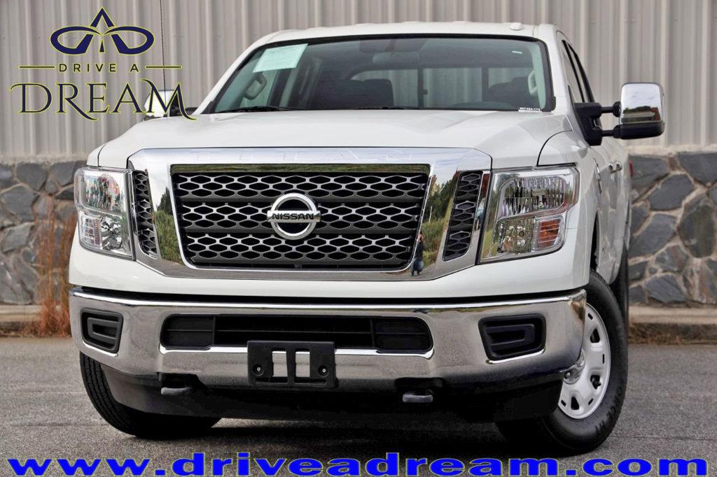 2017 Nissan Titan XD 2WD Crew Cab image