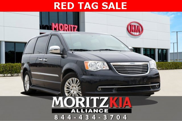 2013 Chrysler Town & Country Touring-L w/ Premium Group image