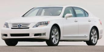 Lexus LS 600h in Arlington