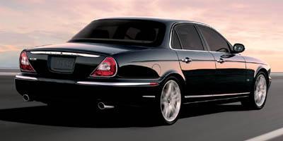 http://images.autotrader.com/pictures/model_info/NVD_Fleet_US_EN/All/9652.jpg