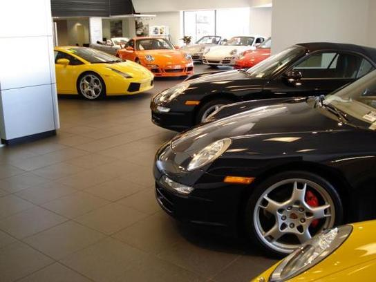 Loeber motors lincolnwood il 60712 car dealership and for Courtesy motors auto center