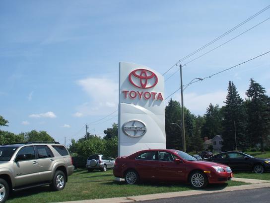 Vanderstyne Toyota Car Dealership In Rochester Ny 14626