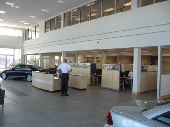 Sun motor cars mechanicsburg pa 17050 1707 car for Mercedes benz dealer mechanicsburg pa