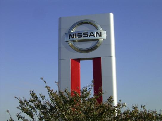 Texas Nissan of Grapevine 3