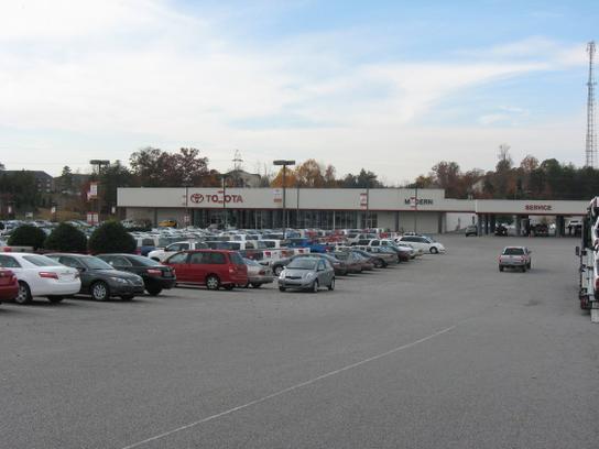Modern toyota winston salem nc 27127 car dealership for Honda dealership winston salem