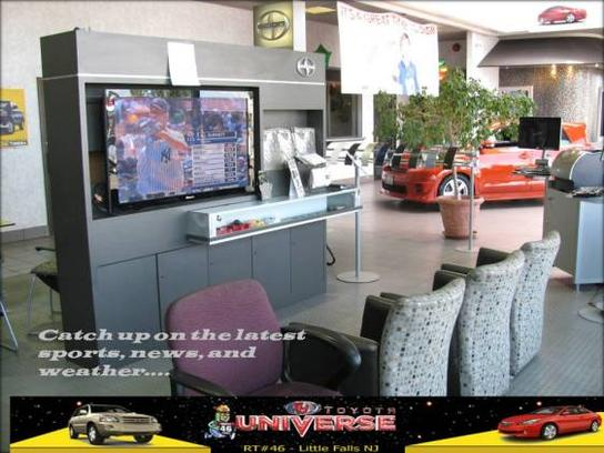 Toyota Universe 3
