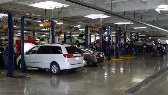 Elk Grove Toyota Service >> Folsom Lake Toyota : Folsom, CA 95630 Car Dealership, and ...
