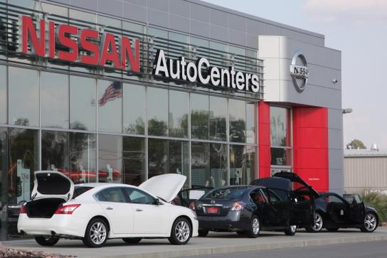 autocenters nissan wood river il 62095 2275 car dealership and auto financing autotrader. Black Bedroom Furniture Sets. Home Design Ideas