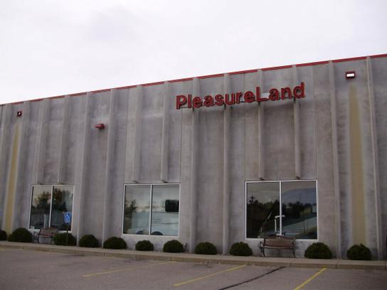 Pleasure Land Truck Center 3