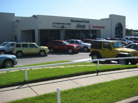 overland park jeep dodge ram chrysler overland park ks 66212 car dealership and auto. Black Bedroom Furniture Sets. Home Design Ideas
