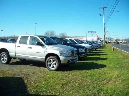 Bertera dodge chrysler jeep ram westfield ma 01085 car for Southern motors springfield chrysler dodge jeep