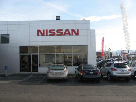 Lithia Nissan of Medford 3