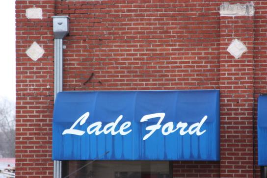 Lade Ford 2