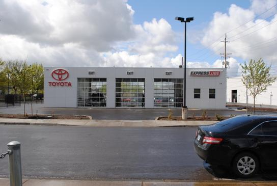 Lithia Toyota Scion of Springfield 3