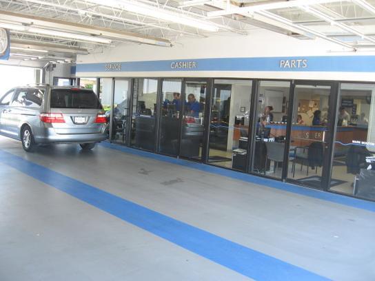 Huggins Car Dealership
