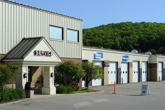 Merchants Auto Nh >> Merchants Automotive : Hooksett, NH 03106 Car Dealership, and Auto Financing - Autotrader