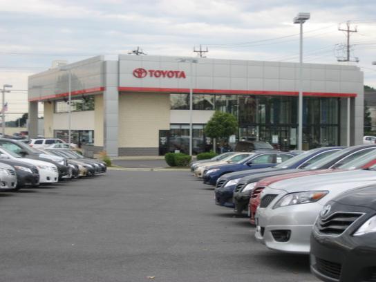 355 toyota rockville md 20855 car dealership and auto financing autotrader. Black Bedroom Furniture Sets. Home Design Ideas