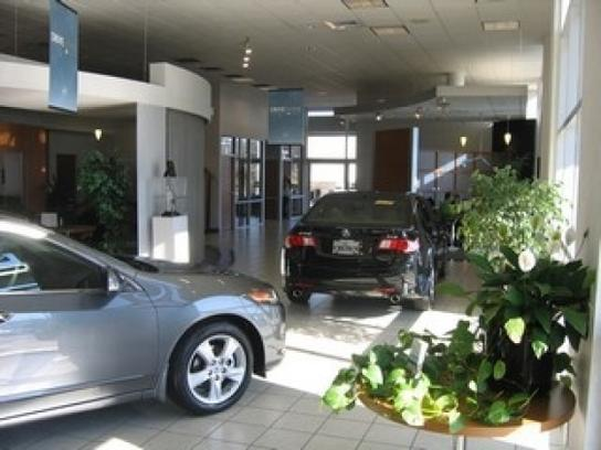 Crown Acura Greensboro Nc 27407 Car Dealership And