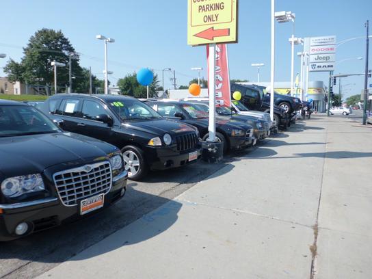 marino chrysler jeep dodge chicago il 60641 car dealership and auto financing autotrader. Black Bedroom Furniture Sets. Home Design Ideas