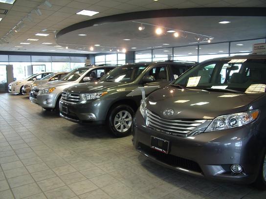 Romano toyota car dealership in east syracuse ny 13057 for Honda dealers syracuse