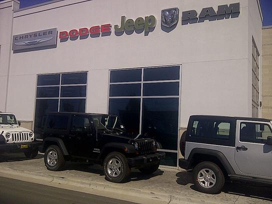 dennis dillon dodge chrysler jeep ram caldwell id 83605 car dealership and auto financing. Black Bedroom Furniture Sets. Home Design Ideas