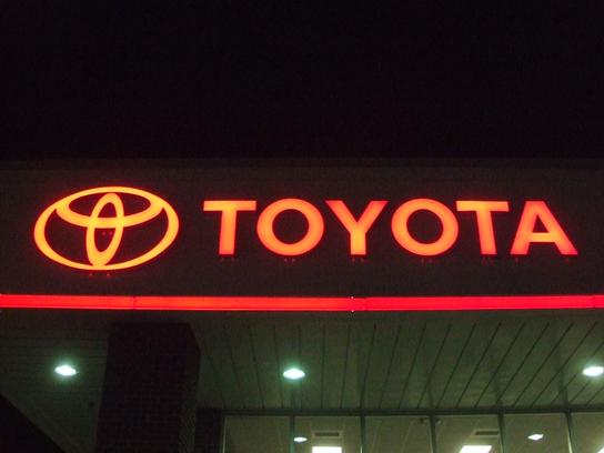 Fred Anderson Toyota of Sanford 3