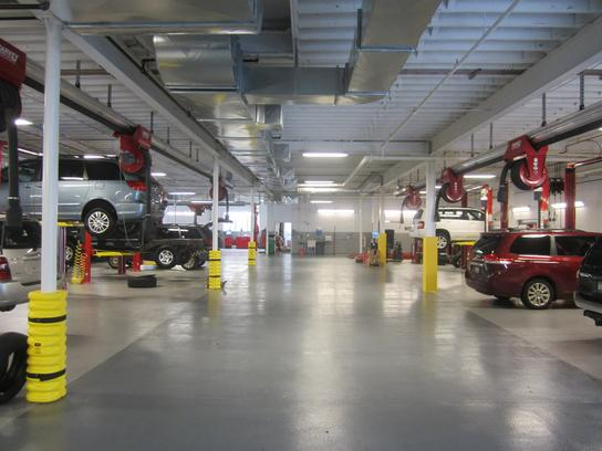 Dch toyota city mamaroneck ny 10543 car dealership autos for Yonkers honda service center