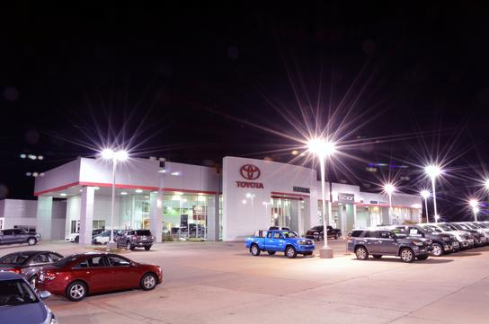 Toyota Dealers Okc >> Hudiburg Toyota Scion : Midwest City, OK 73110 Car ...