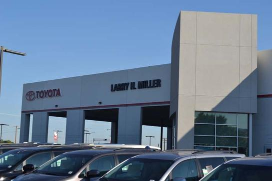 Larry H. Miller Toyota Albuquerque car dealership in ...
