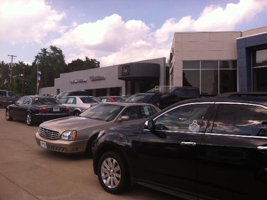 Dave Towell Cadillac Car Dealership In Akron, OH 44303
