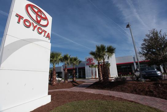 Fred Anderson Toyota of Charleston on Savannah Hwy 1