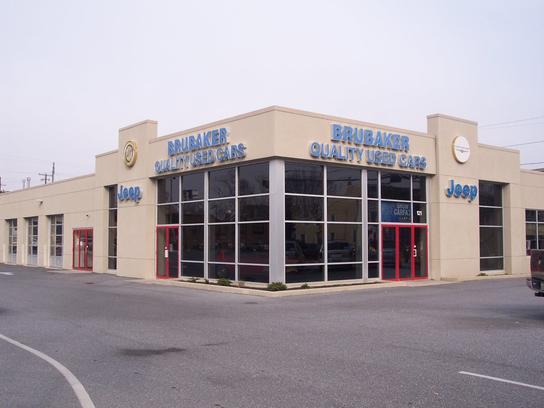 brubaker chrysler jeep car dealership in lancaster pa 17602 kelley blue book. Black Bedroom Furniture Sets. Home Design Ideas
