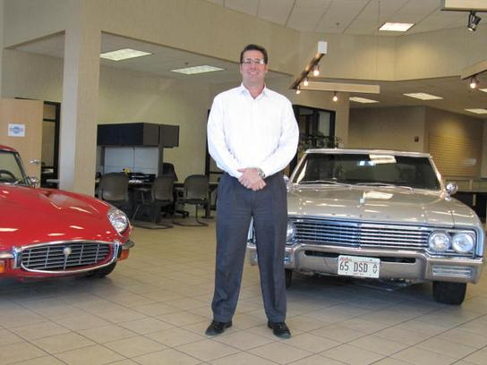universal auto plaza blue springs mo 64015 car dealership and auto financing autotrader. Black Bedroom Furniture Sets. Home Design Ideas