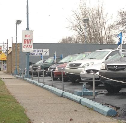 Lee 39 S Auto Sales Car Dealership In Garden City Mi 48135