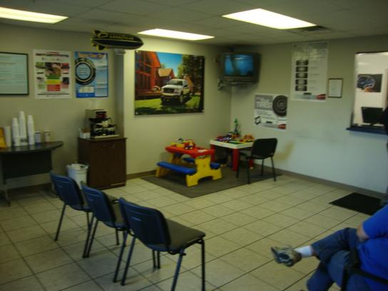 Used Cars Benton Ar >> Landers Ford : Benton, AR 72015-2068 Car Dealership, and Auto Financing - Autotrader