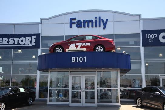 family hyundai tinley park il 60477 1395 car dealership and auto financing autotrader. Black Bedroom Furniture Sets. Home Design Ideas