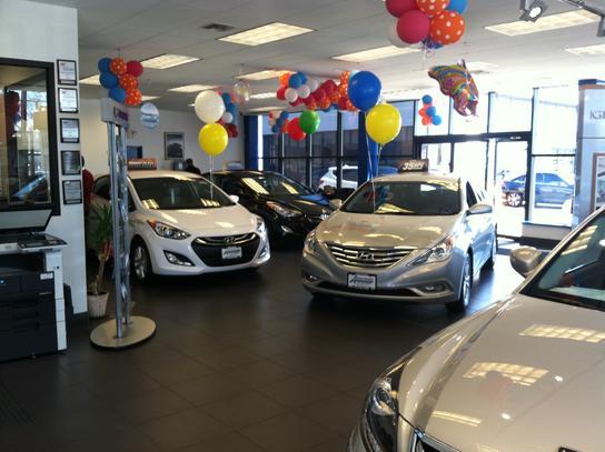 Advantage Hyundai : Hicksville, NY 11801-4372 Car